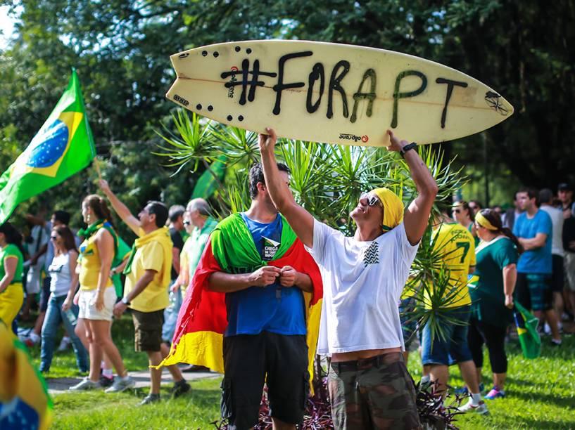 Ato contra o governo Dilma (PT) em Porto Alegre, no Rio Grande do Sul
