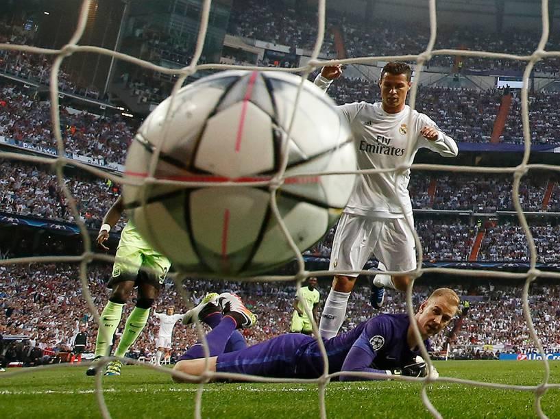 Real Madrid vence o Manchester City por 1 a 0 em casa e garante vaga para a final da Liga dos Campeões da Europa, diante do Atlético de Madrid,repetindo a final de 2014 - 04/05/2016