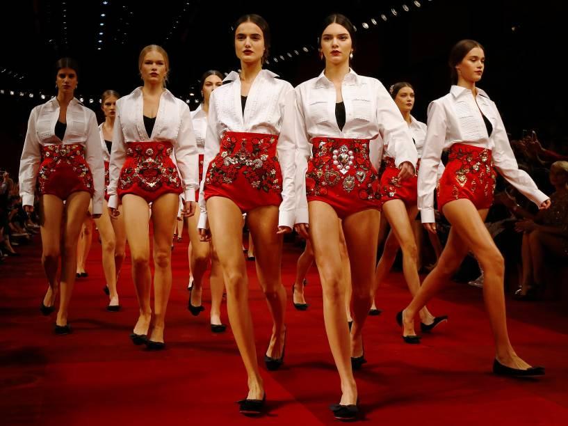 Modelos durante desfile da grife Dolce & Gabanna na semana de moda de Milão, na Itália