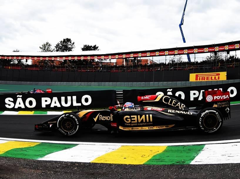 Romain Grosjean da Lotus durante treino classificatório para o Grande Prêmio do Brasil de Fórmula 1