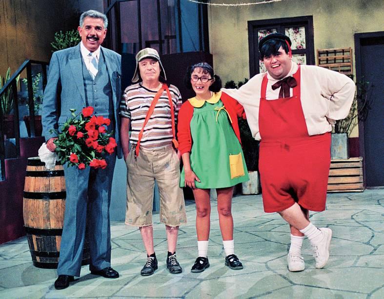 """Rubén Aguirre, Roberto Gómes Bolaños, Maria Antonieta De Las Nieves e Horacio Gómes Bolaños, no seriado """"Chaves"""""""