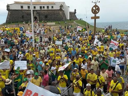 Em Salvador, protesto contra o governo da presidente Dilma Rousseff e contra o PT (Partido dos Trabalhadores)