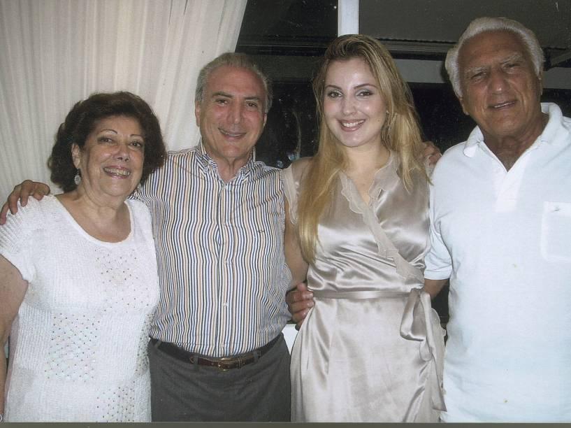A cunhada Wally Spina Lulia, o casal Michel e Marcela e o irmão Adib Temer, em imagem de 31/12/2010