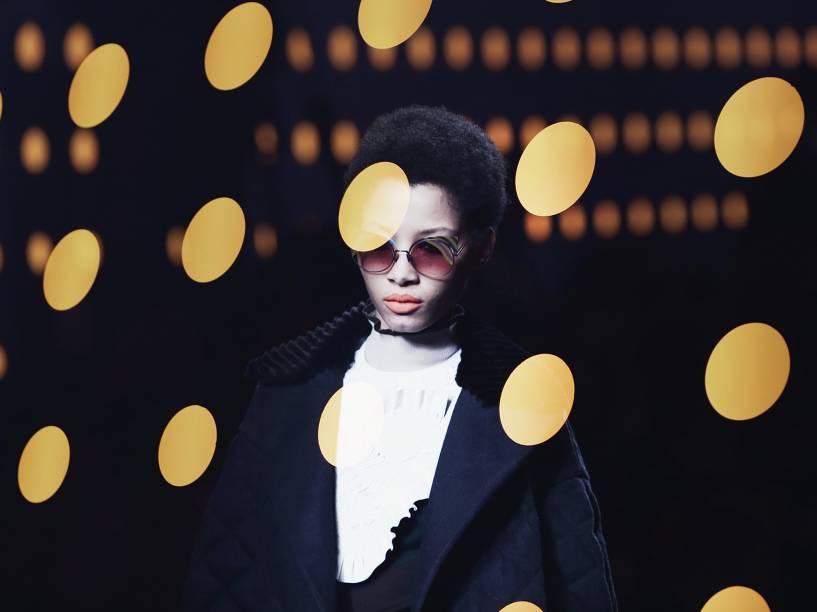 Modelo apresenta criação da Fendi, durante a Semana de Moda de Milão, na Itália
