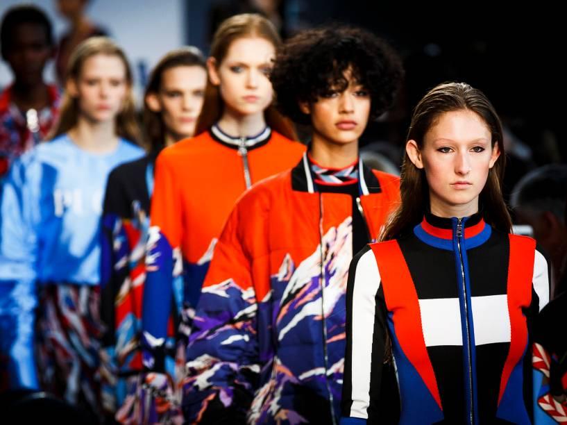 Modelos apresentam criações da Pucci, durante a Semana de Moda de Milão, na Itália