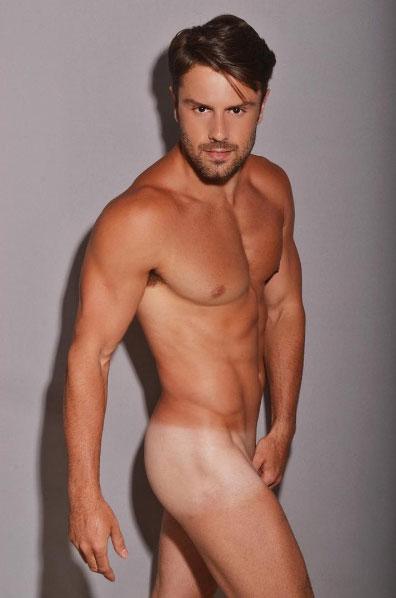 O ator Sérgio Capriatti no The male nude project, projeto do fotógrafo Sergio Santoian