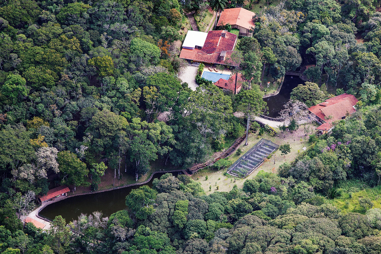 """Segundo Léo Pinheiro, Lula pediu a ele que cuidasse da reforma do """"seu"""" sítio em Atibaia. A propriedade está registrada em nome de um sócio de Fábio Luís da Silva, filho do ex-presidente"""