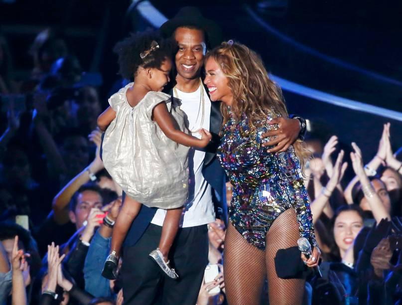 Beyoncé, Jay-Z e Blue Ivy no palco do VMA 2014