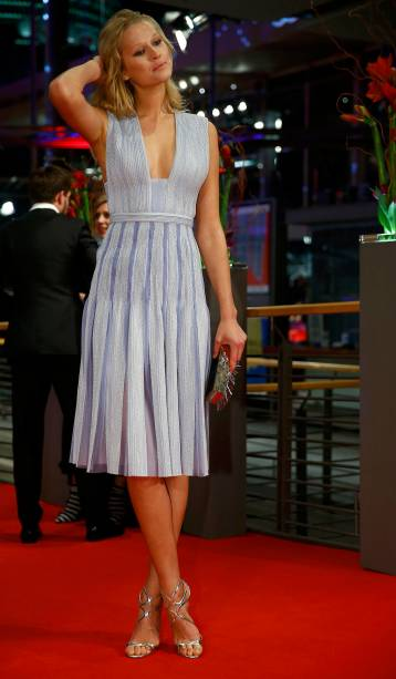A modelo alemã Toni Garrn durante a abertura da 65ª edição do Festival Internacional de Cinema de Berlim, nesta quinta-feira (05)