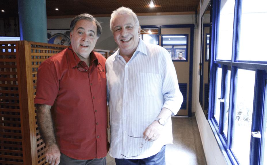 Tony Ramos e Marco Nanini posam para foto durante as últimas gravações do programa A Grande Família