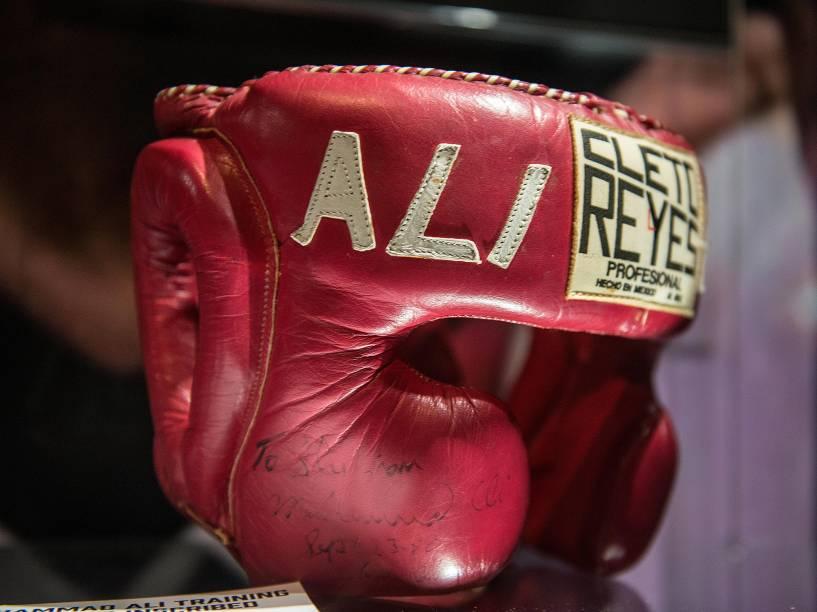 """Item da exposição """"I am the greatest"""", sobre o ex-boxeador Muhammad Ali, em Londres"""