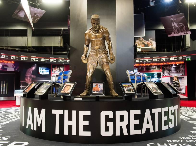 """Exposição sobre o ex-boxeador Muhammad Ali, """"I am the greatest"""" seguirá em cartaz em Londres até agosto"""