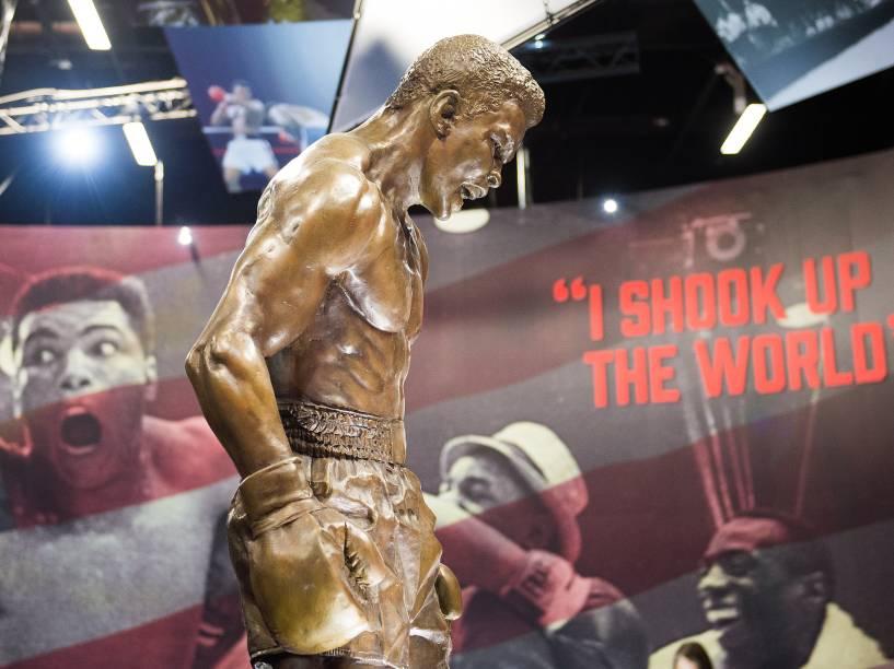 """Exposição sobre o ex-boxeador Muhammad Ali """"I am the greatest"""" seguirá em cartaz até agosto, na Arena O2, em Londres"""