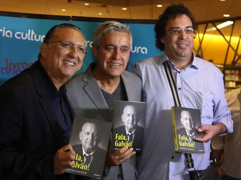 Mauro Naves e Casagrande no lançamento do livro de Galvão Bueno
