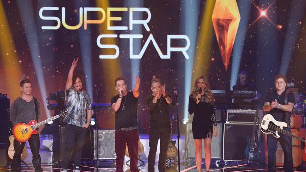 O rock do Tianastácia agitou o palco do SuperStar e os três jurados votaram sim por eles