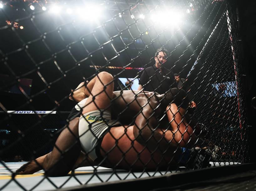 Maurício Shogun disputa o UFC 198 na Arena da Baixada, em Curitiba