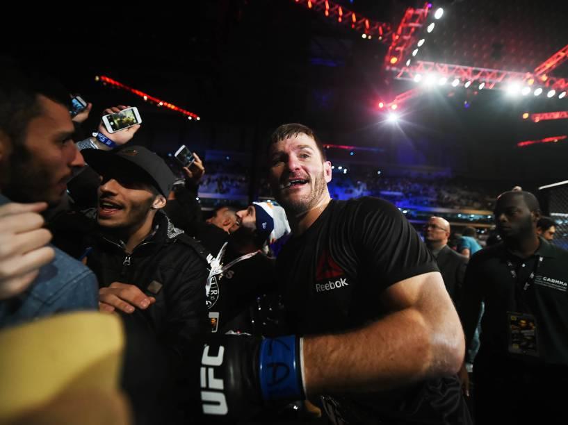 Stipe Miocic disputa o UFC 198 na Arena da Baixada, em Curitiba