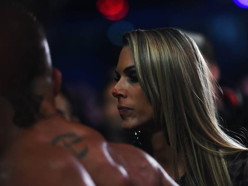 A ex-Feiticeira Joana Prado, esposa de Vitor Belfort, após nocaute no UFC 198, na Arena da Baixada em em Curitiba - 14/05/2016<br><br> <br><br>