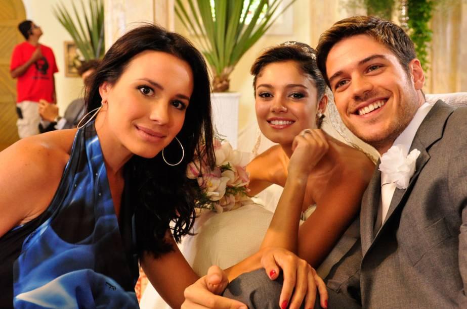Zuleika (Juliana Knust) irá conturbar o casamento de Amália (Sophie Charlotte) e Rafael (Marco Pigossi)