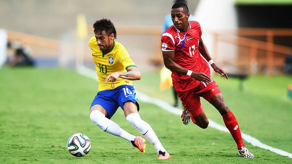 Neymar durante o amistoso contra o Panamá, em Goiânia