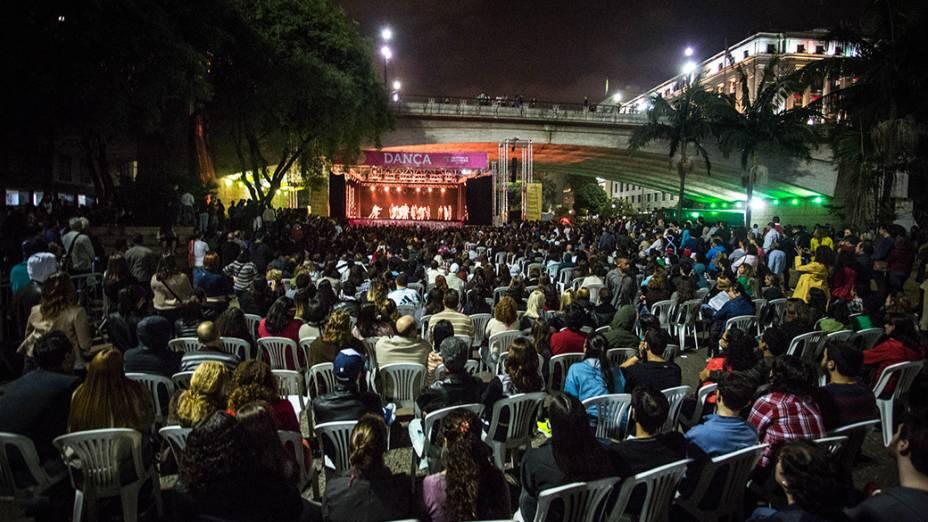 Espetáculo Abrupto e Cantata com o Balé da Cidade de São Paulo, no Anhangabaú