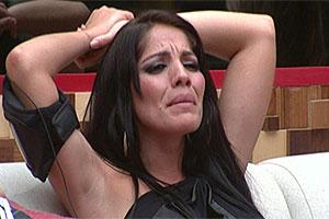 Anamara ironiza choro de Lia