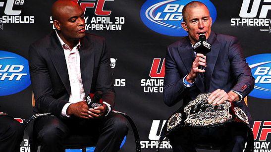 Anderson Silva e Georges St-Pierre lado a lado numa entrevista coletiva promovida pelo UFC