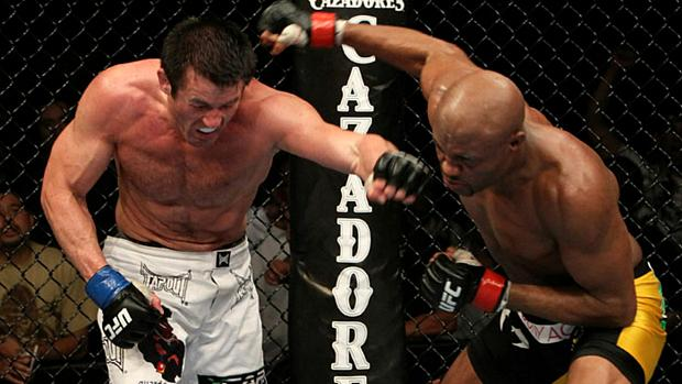 Anderson Silva venceu o americano Chael Sonnen no UFC 117, em 2010