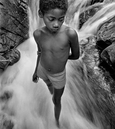 andre-cypriano-quilombola-na-cachoeira-2007-original.jpeg