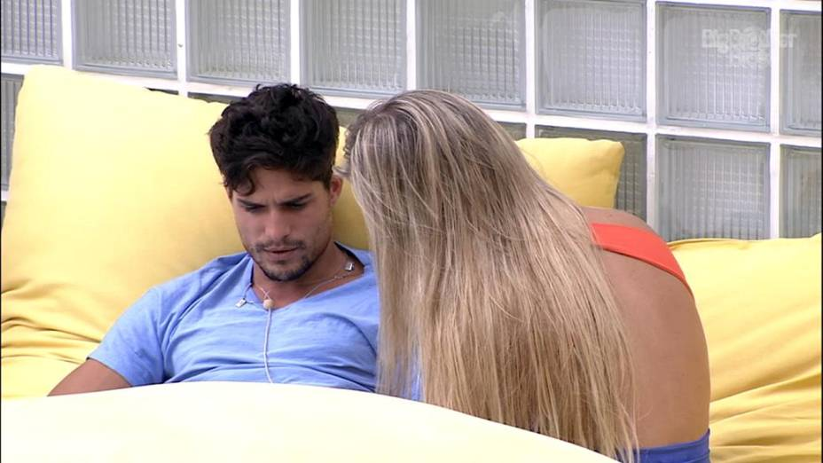 André e Fernanda discutem a relação no BBB 13
