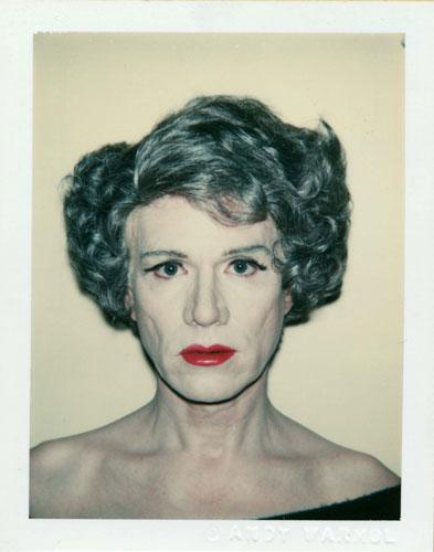 Andy Warhol em versão Drag Queen.