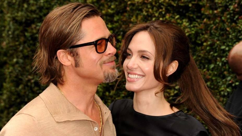 Brad Pitt e Angelina Jolie já são conhecidos por apoiar causas humanitárias e não poderiam ficar de fora da lista