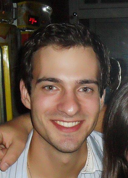 Ângelo Nicolosso Aita, 24 anos, estudava veterinária na UFSM. Sua família mora em Alegrete, onde tem propriedade rural. Ângelo pretendia terminar a faculdade para trabalhar nas terras da família