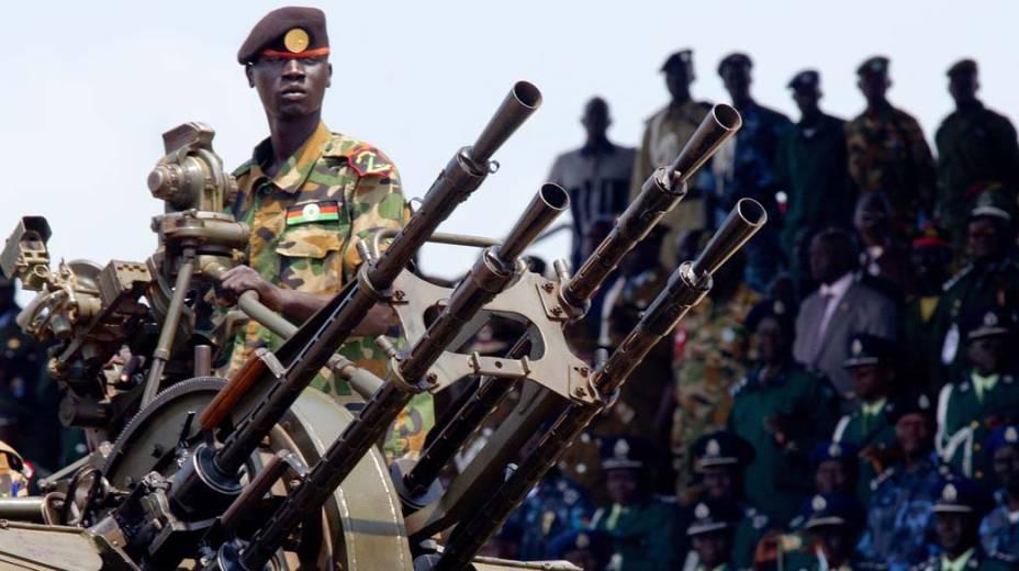 Desfile militar no dia da independência do Sul do Sudão