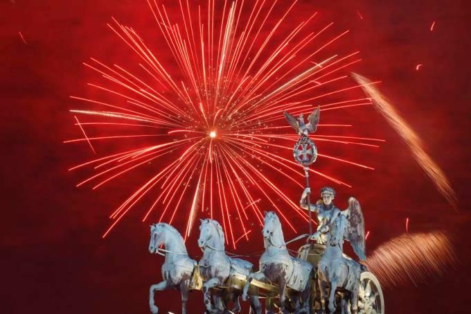 ano-novo-reveillon-fogos-comemoracao-20111231-34-original.jpeg