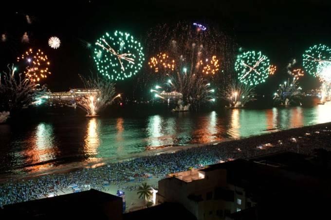 ano-novo-rio-copacabana-20101231-05-original.jpeg