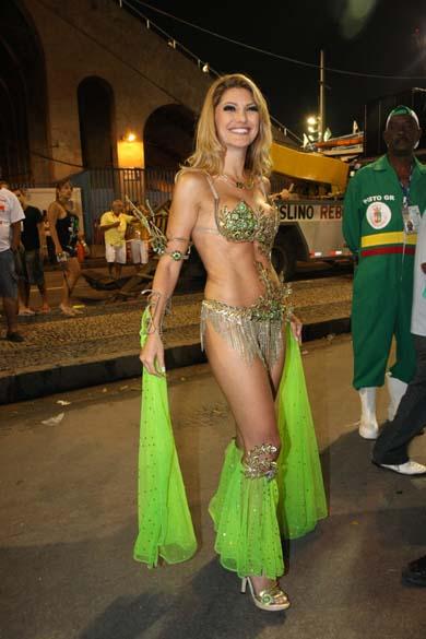Antônia Fontenelle no desfile da Escola de Samba Grande Rio, pelo Grupo Especial do Carnaval 2008, no Sambódromo da Marquês de Sapucaí, Rio de Janeiro