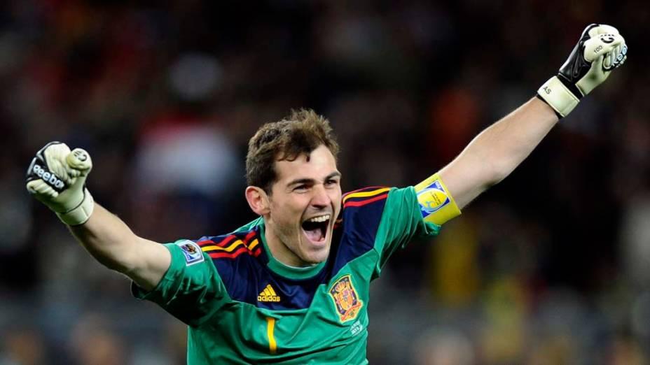 Iker Casillas comemora a conquista da Copa do Mundo da África do Sul