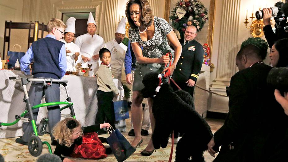 A cadela Sunny derruba uma menina de 2 anos durante festa na Casa Branca
