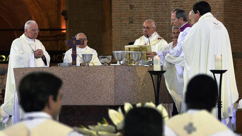 Papa Francisco celebra missa na Basílica de Nossa Senhora de Aparecida