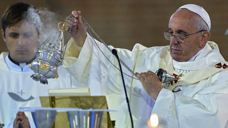 Papa Francisco em missa na Basílica de Nossa Senhora de Aparecida