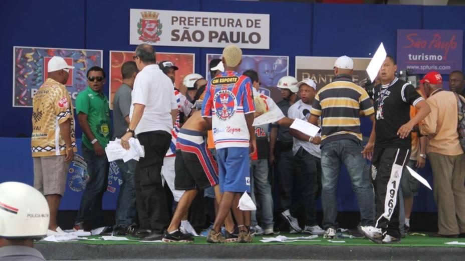 Tumulto durante confusão na apuração do Carnaval em São Paulo