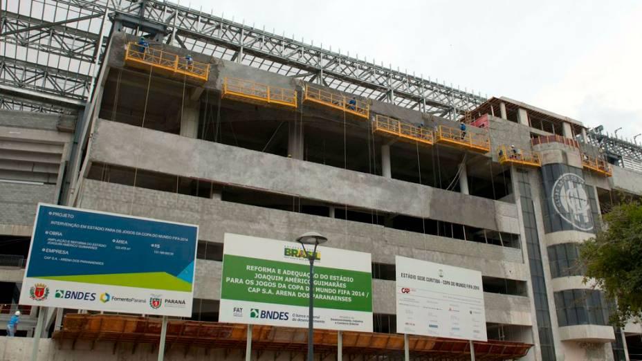 Obras da Arena da Baixada, em Curitiba, em 13 de fevereiro