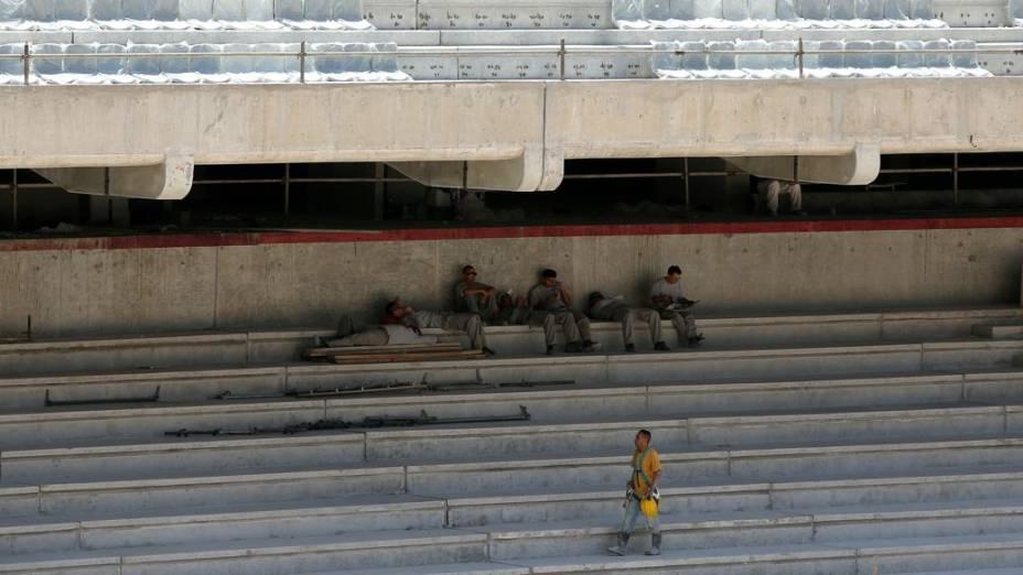 As obras na Arena da Baixada, em Curitiba, no dia da primeiroa inspeção de Jérôme Valcke ao local em 2014, 21 de janeiro