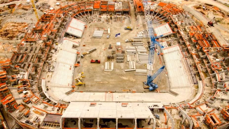 <br><br>  Arena Pernambuco: as obras em agosto de 2012