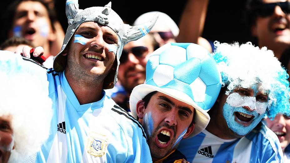 Argentinos comparecem no Mineirão para o jogo contra o Irã, em Belo Horizonte