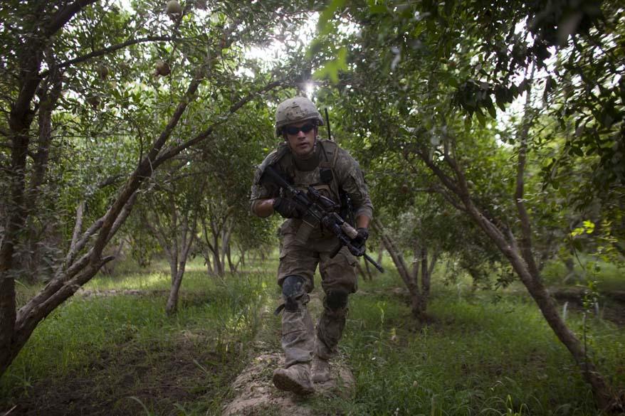 Soldado americano faz patrulha em Arghandab