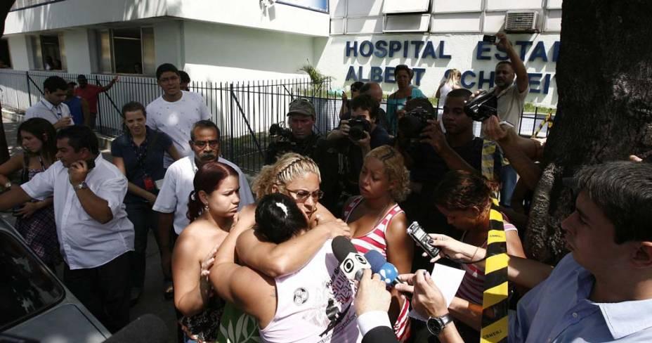 Fachada do hospital Albert Schweitzer no Rio de Janeiro, onde alguns dos feridos da tragédia na Escola Municipal Tasso da Silveira foram encaminhados