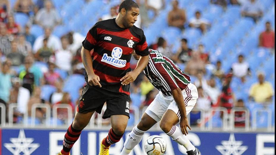 Adriano marcou três gols sobre o Fluminense, na Taça Guanabara de 2010