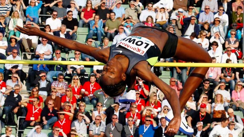 A americana Cahunte Lowe durante competição de salto em altura, na Noruega